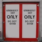1-emergency-exit-476125_640
